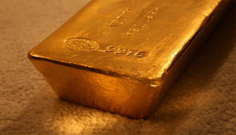 Com o dólar mais fraco, o ouro fica mais barato para os detentores de outras divisas