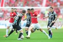 Torcida vaia Inter após derrota em casa para o Ceará