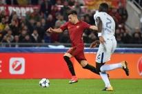 Roma faz 'gol relâmpago', atropela Chelsea e assume ponta na Liga dos Campeões