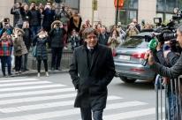 Juíza determina prisão de Carles Puigdemont