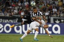 Fluminense bate Botafogo e se afasta do rebaixamento