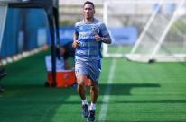 Barrios e Cortez voltam a correr no campo na reapresentação do Grêmio