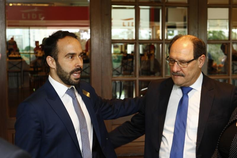 Eduardo Fernandez detalhou pesquisa ao governador José Ivo Sartori