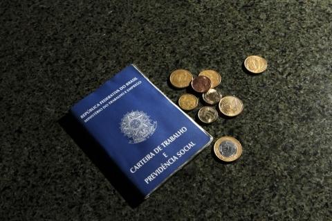Governo vai editar nova MP para autorizar corte de 50% em salário e jornada de trabalho