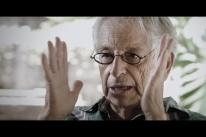 Fernando Gabeira participa de exibição de documentário sobre sua trajetória
