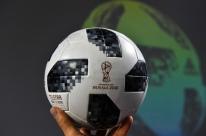 Estilizada, bola do Mundial irá homenagear Copa de 1970
