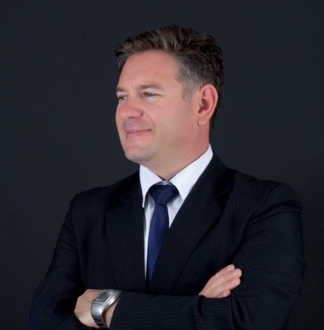 Cristiano Bernardes Consultor Empresarial &Contador Arquivo pessoal