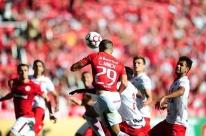 Vila Nova-GO busca empate, adia acesso e tira liderança da Série B do Inter