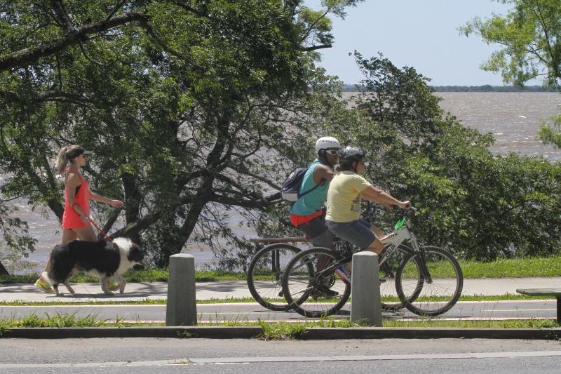Porto-alegrenses aproveitaram o sol para se exercitar neste domingo