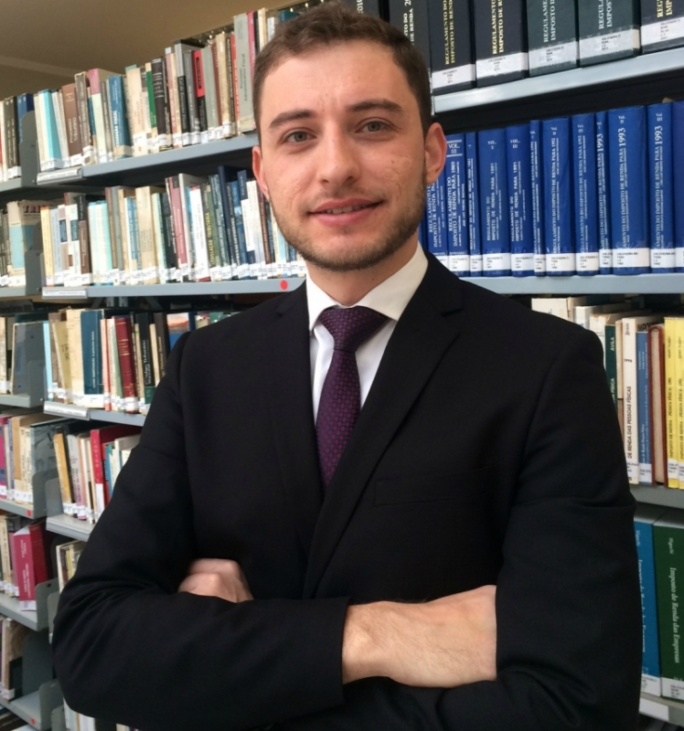 Jean Pietro Pereira Lima é advogado tributarista na Piazzeta Advocacia Empresarial