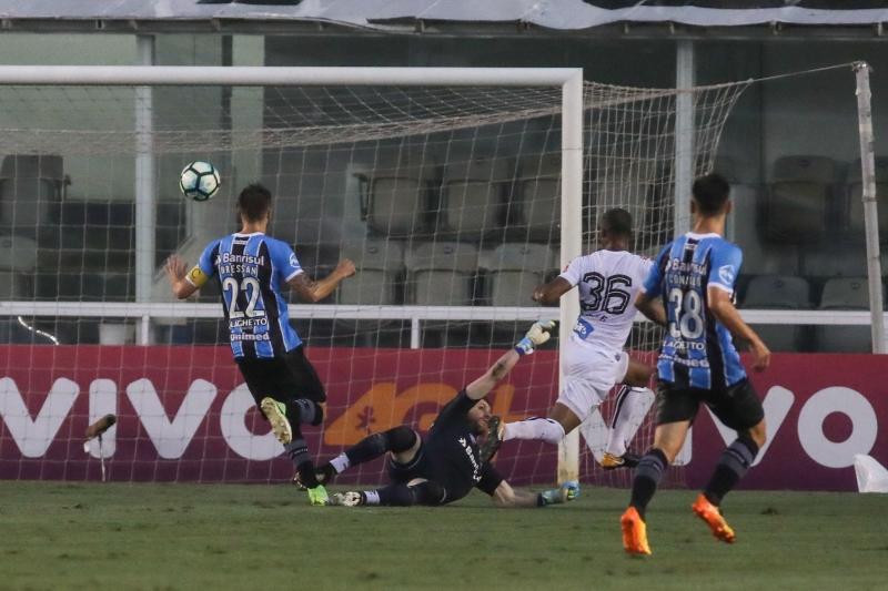 Copete foi o autor do gol da vitória do Peixe, na Vila Belmiro