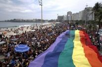 Parada do Orgulho LGBT do Rio reúne milhares de pessoas na Praia de Copacabana