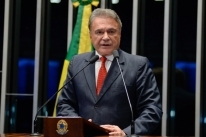 Com elogios à Lava Jato, Alvaro Dias lança pré-candidatura à Presidência