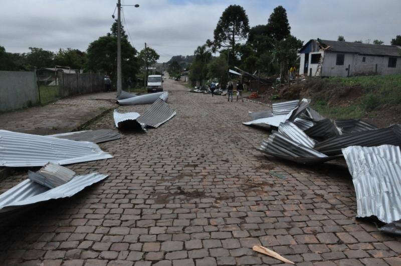 Pior situação foi em Soledade, onde 300 residências foram destelhadas pelo vento