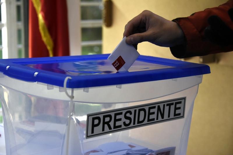 Disputa do segundo turno presidencial será no dia 17 de dezembro