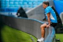 Portaluppi fecha treino e faz mistério no Grêmio às vésperas da final
