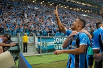 Herói da vitória, Cícero celebra volta por cima no Grêmio e elogia Renato