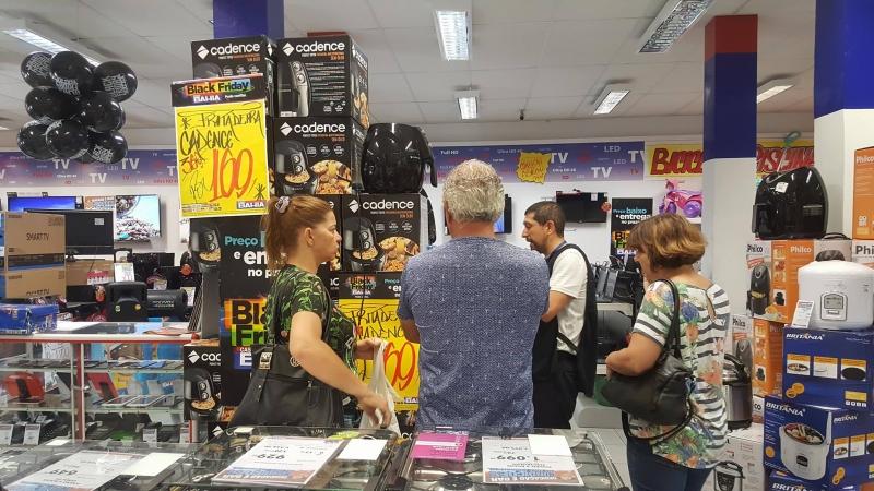Após euforia com Black Friday, compras caíram em dezembro
