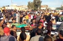 Governo bombardeia veículos usados em atentado que matou 305 pessoas