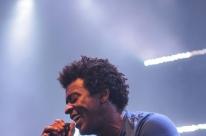 Seu Jorge apresenta sucessos da carreira em show no Araújo Vianna
