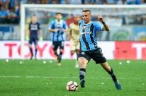 Luan volta a treinar e reforça o Grêmio contra o Atlético-PR; Arthur é duvida