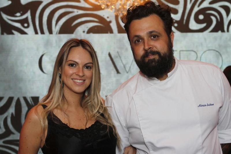 Aline do Canto e o chef Aluísio Sabino na Casa Vetro