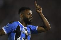 Sem acerto com Grêmio, Fernandinho deve fechar com time chinês