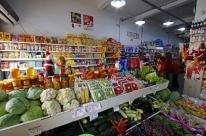 Atraso de salários do funcionalismo limita vendas nos minimercados gaúchos