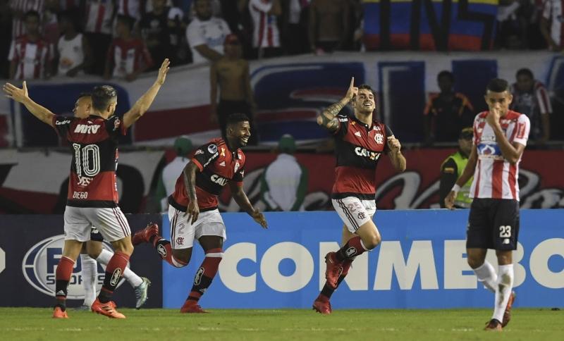 Clube carioca tem 18% da preferência dos entrevistados, enquanto Corinthians aparece com 14%