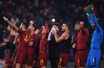Roma vence e vai às oitavas como 1ª da chave; Chelsea empata e passa em 2º