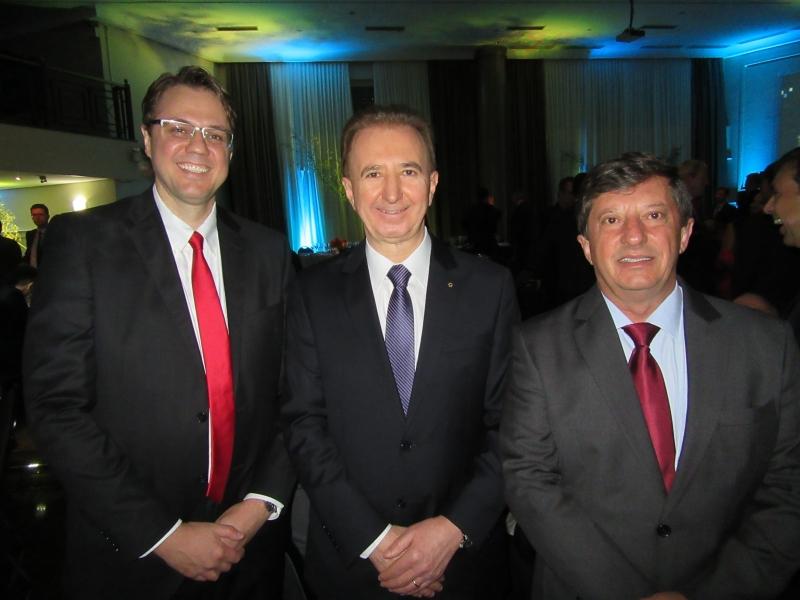 Marcos Fritzen, José Antonio Valiati e Ademar Schardong, presidente do Ibef-RS