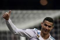 Ronaldo alcança marca e, classificado, Real derrota o Dortmund em casa