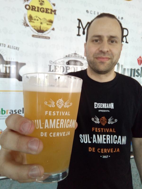 Fabrício, produtor do evento e editor da Revista da Cerveja