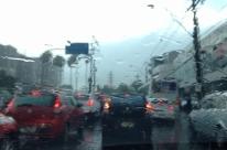 Chuva forte causa transtornos em Porto Alegre e Região Metropolitana