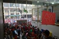Após negociação, MTST desocupa Secretaria de Habitação de São Paulo