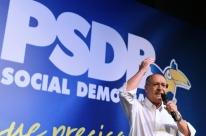 Alckmin assume comando do PSDB com aceno a PMDB