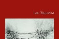 Lau Siqueira lança livro de poemas no Quintal Cultural