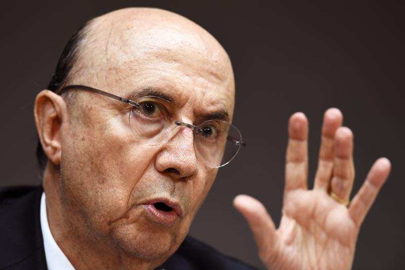 Meirelles afirmou que o governo não pretende mudar a forma como a Petrobras define os preços