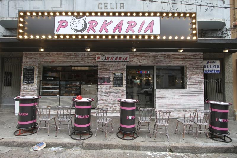 Matéria sobre o Porkaria, restaurante especializado em itens a base de porco.