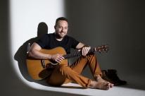 Em último show do ano, Gabriel Dalla Costa faz apresentação beneficente no StudioClio