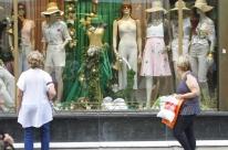 Pesquisa em 12 capitais mostra cautela do consumidor na hora de gastar