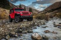 Jeep atualiza design, incrementa capacidade off road e aprimora a mecânica do Wrangler