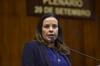 Juliana Brizola lembra um ano de extinção de fundações