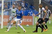 Cruzeiro indica opções ao Grêmio para troca por Edílson