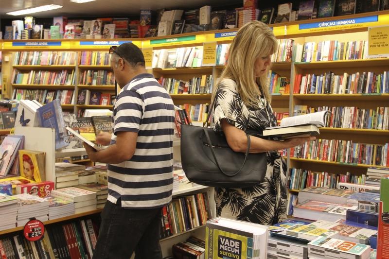 Empresa encerrou as atividades de treze livrarias em todo o País