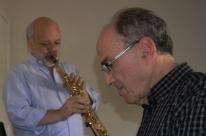 Dupla instrumentista faz show quarta e quinta no Café Fon Fon