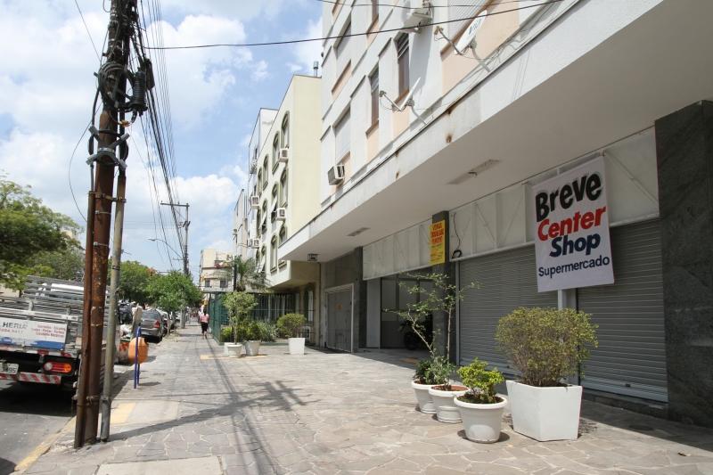 Minimercado ocupa imóvel que foi de agência bancária no bairro na avenida Venâncio Aires
