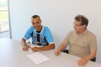 Grêmio se acerta com o Boa e contrata 'artilheiro' Thaciano por empréstimo