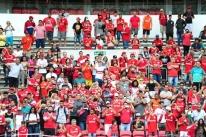 Inter se apresenta e inicia preparação para 2018 com apoio de 1,5 mil torcedores