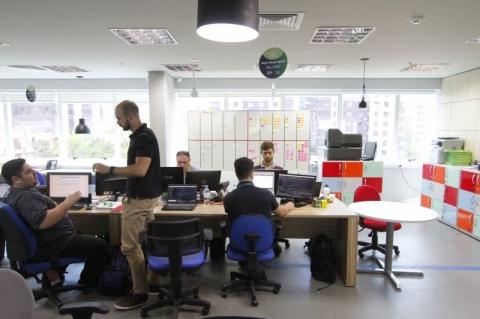 Contamos a história das mudanças que estão ocorrendo dentro do AgiBank, em Porto Alegre, entre outras
